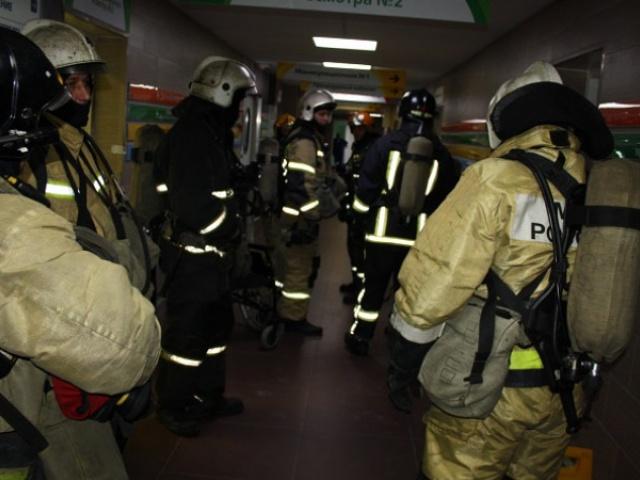 Пожарные по тревоге выезжали в БСМП Петрозаводска из-за запаха дыма