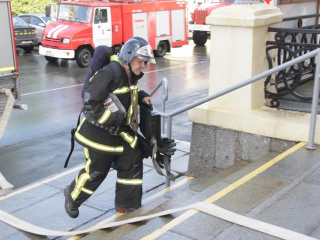 Пожарные учения в театре