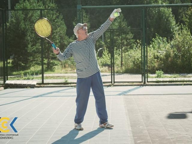 Начались тренировки по теннису в КСК